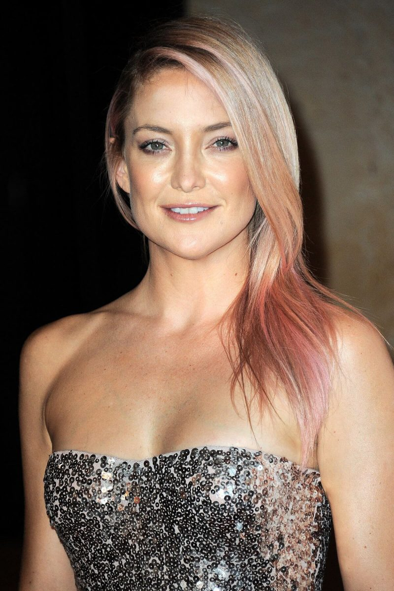 color de cabello rosa pastel Kate Hudson