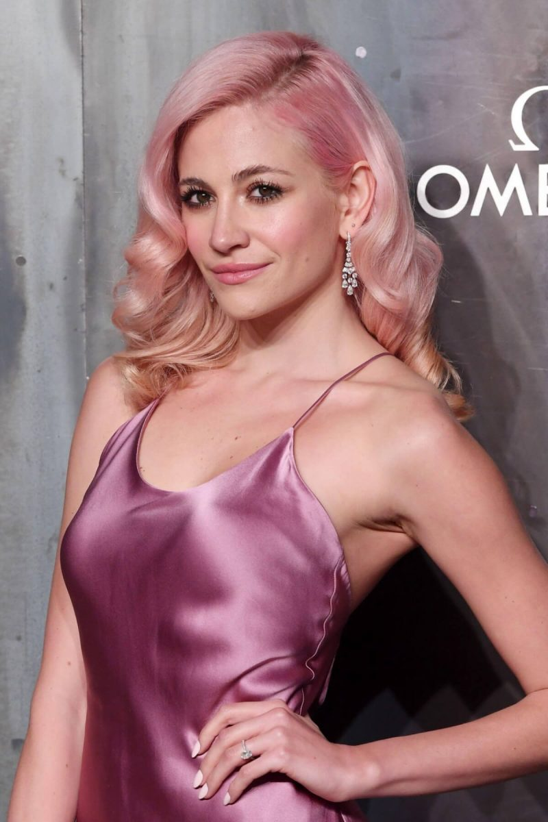 color de cabello rosa pastel Pixie Lott